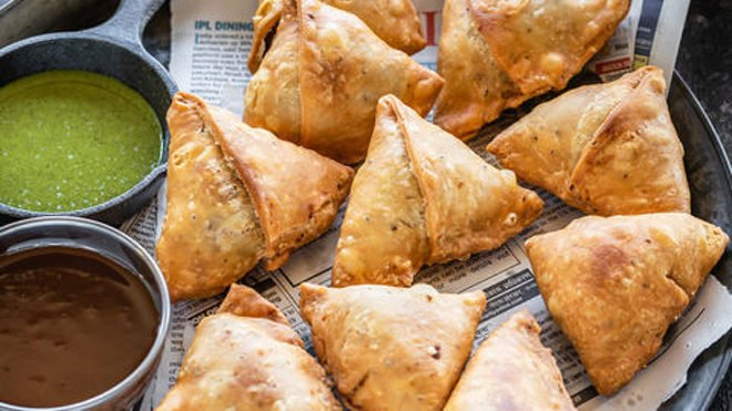 Love for Samosas: Food that tempts to ignore advises